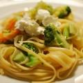 Pasta mit Broccoli, Orange und Ziegenfrischkäse