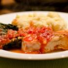 Seelachs mit Tomaten-Spinat und Knoblauch-Kartoffelpüree