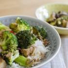 Broccoli mit Tofu und Sesam