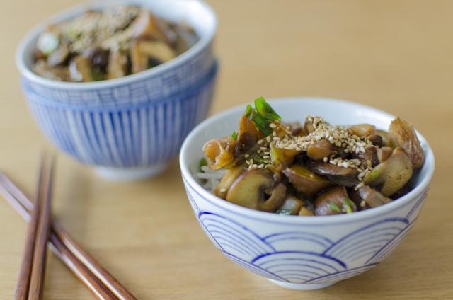 Gebratene Pilze japanisch